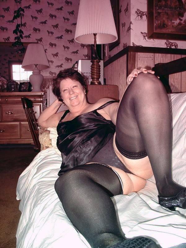 Hot older women masterbating