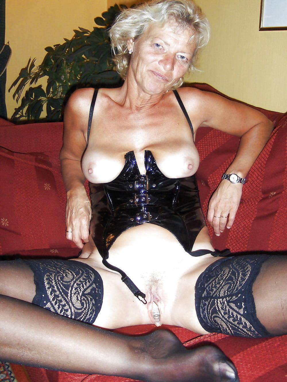 free-pics-of-hot-granny-sex