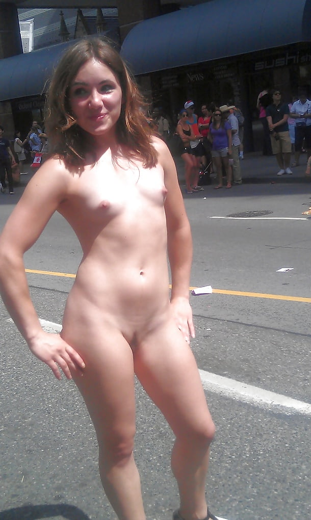 Toronto single nudist