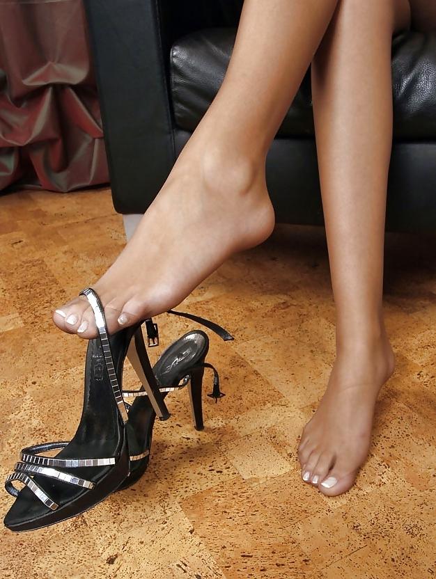 Фетиш на женские ножки