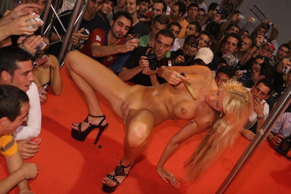 festival-porno-filmov-klik-klik-foto-muzikalnie-porno