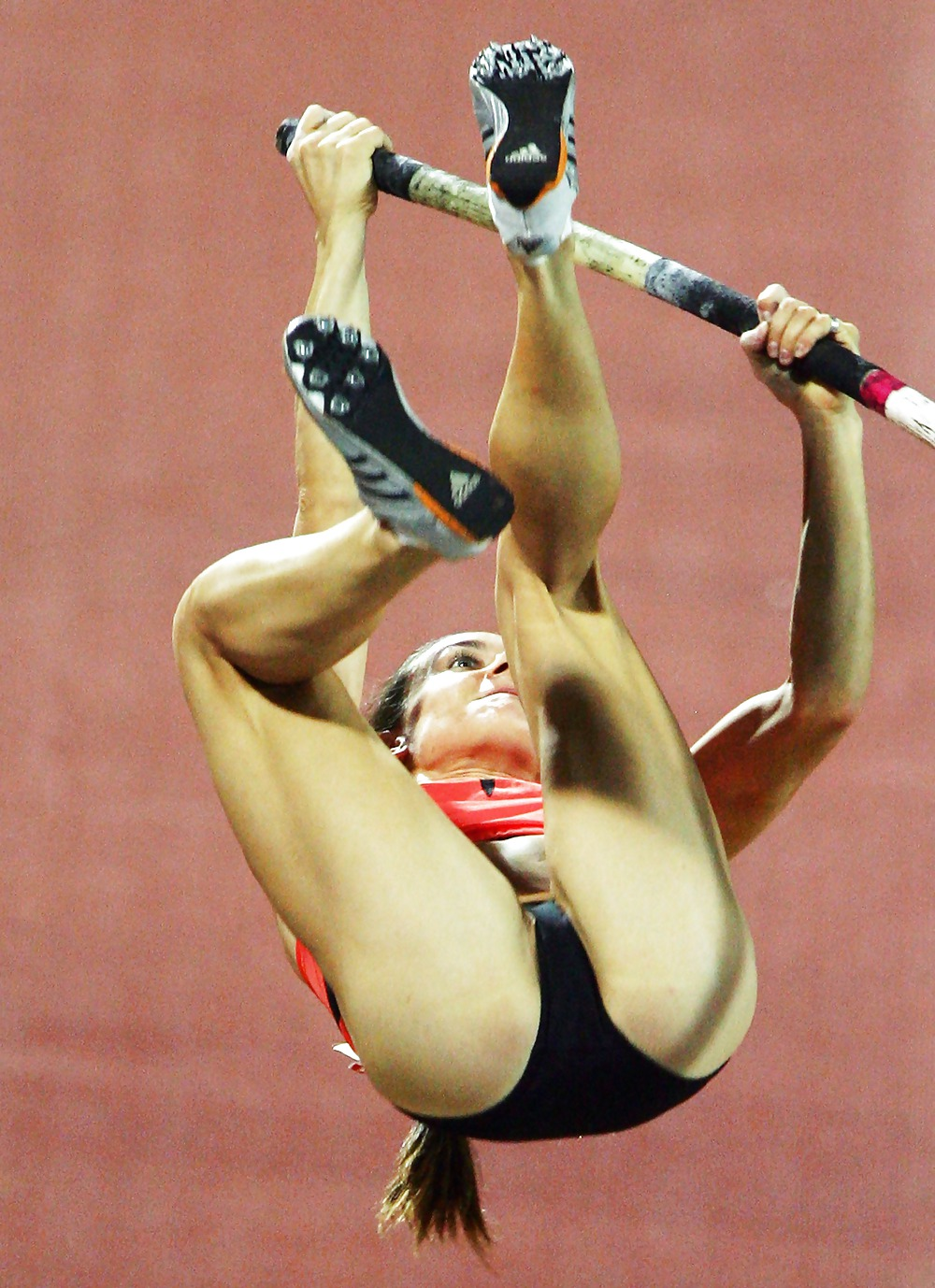 сайт спортсменки с бритой мандой фото представьте