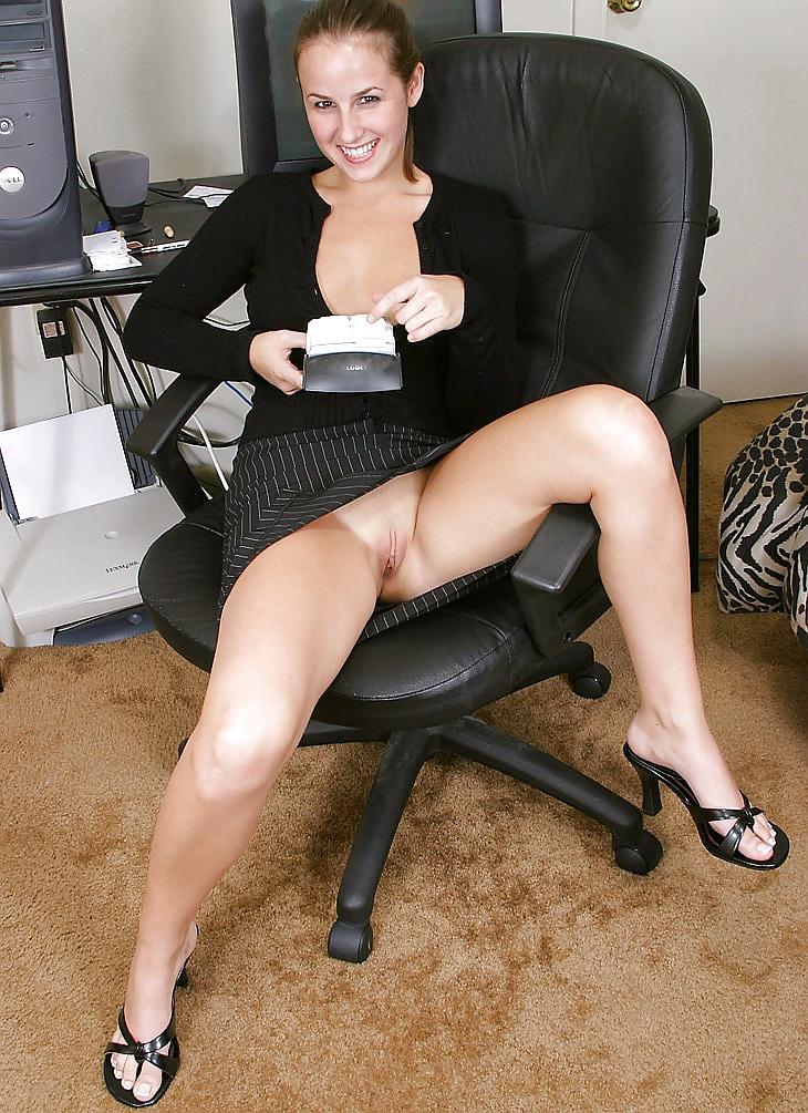 sex-amateur-secretaries-nude-reece-beach