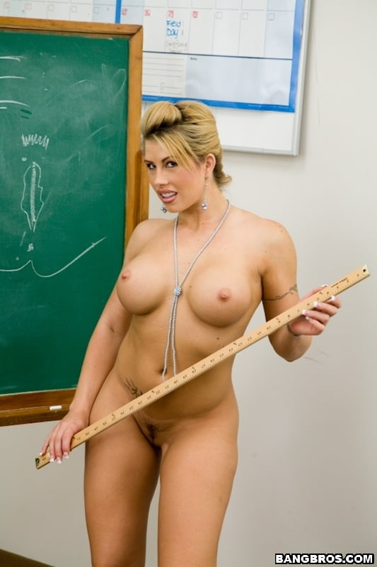 primary-teacher-nude