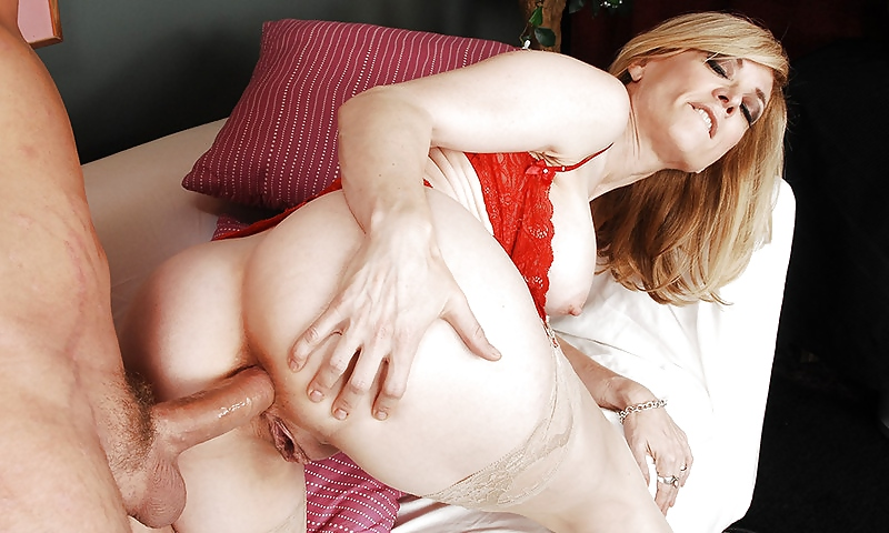 Anal gangbang with nina hartley