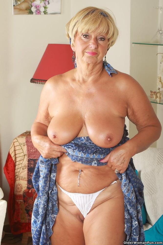 British mature milfs from OlderWomanFun - 94 Pics