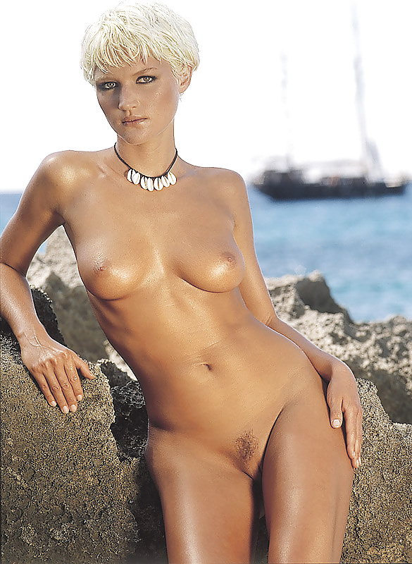 Short haired blonde woman nude, naked famous sexy woman
