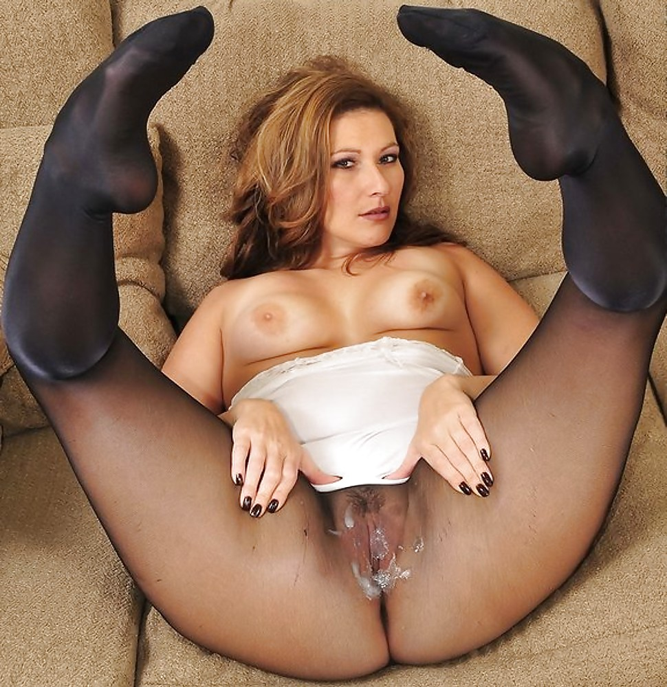 Epantyhose Land Nikol Mischievous Chick Making Spread