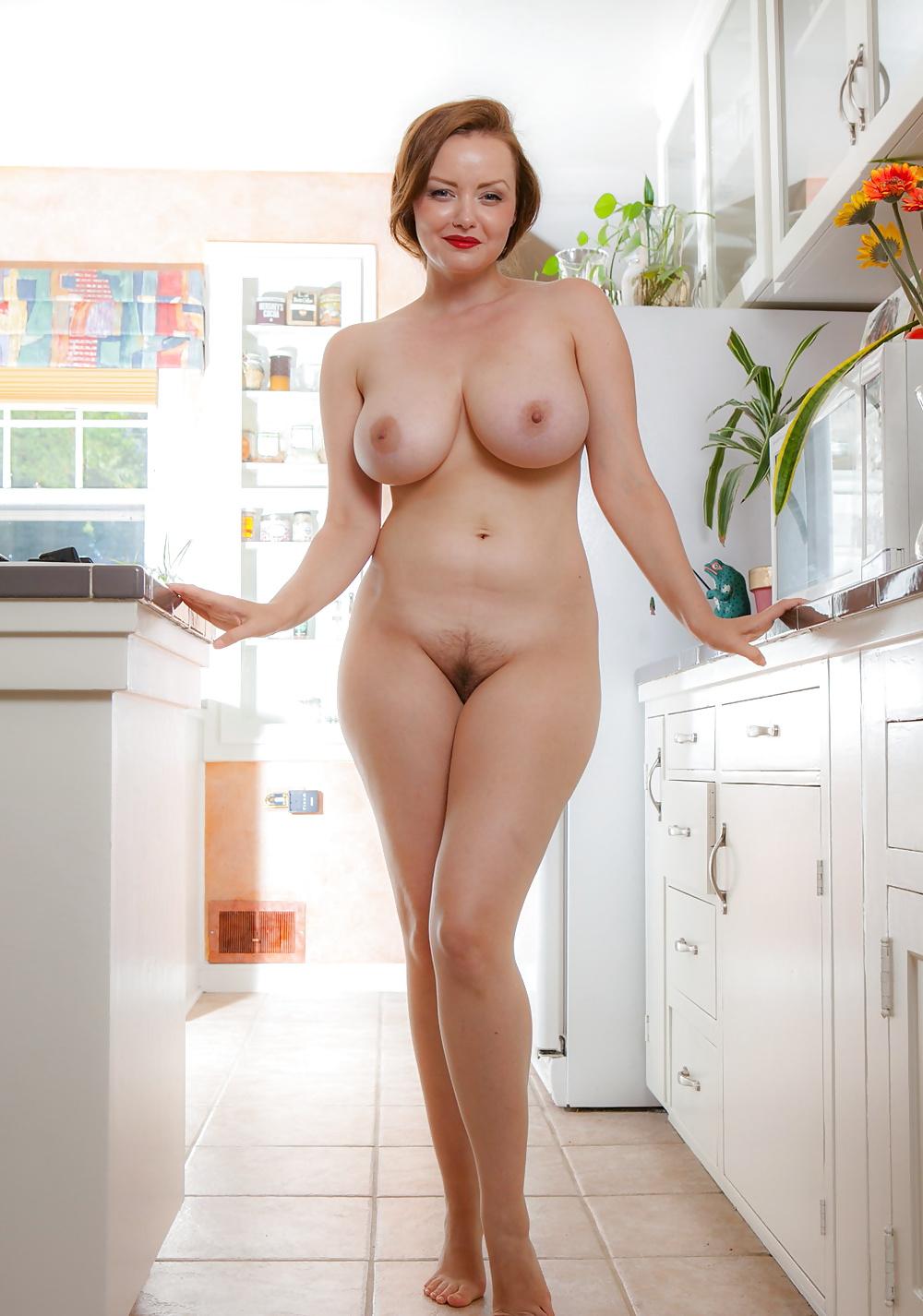 Отодрала парня фото голых мамочек домохозяек