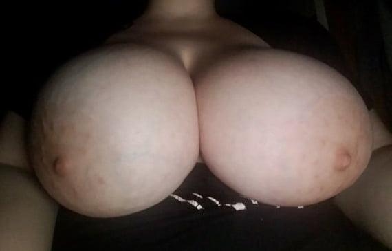 Fatties Big Tits - 5 Pics
