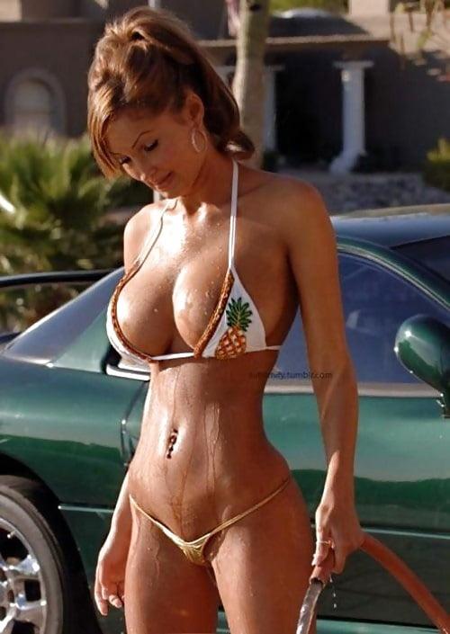 bikini-babe-naked-gif
