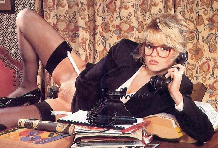 Эротика ретро секретарши, порно лесби битва
