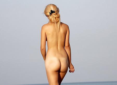 beach babes nude