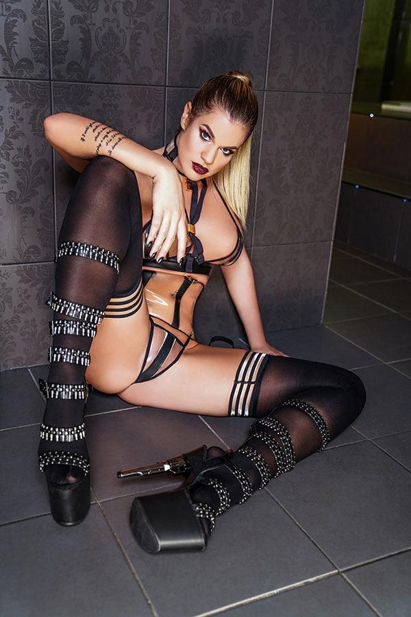 Stella latoya nackt