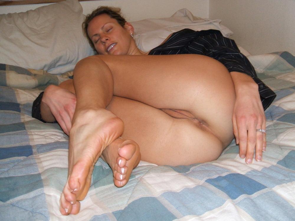 milf-naked-feet-watch-girls-having-sex-online