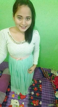 indonesian cewek jilbab selfie