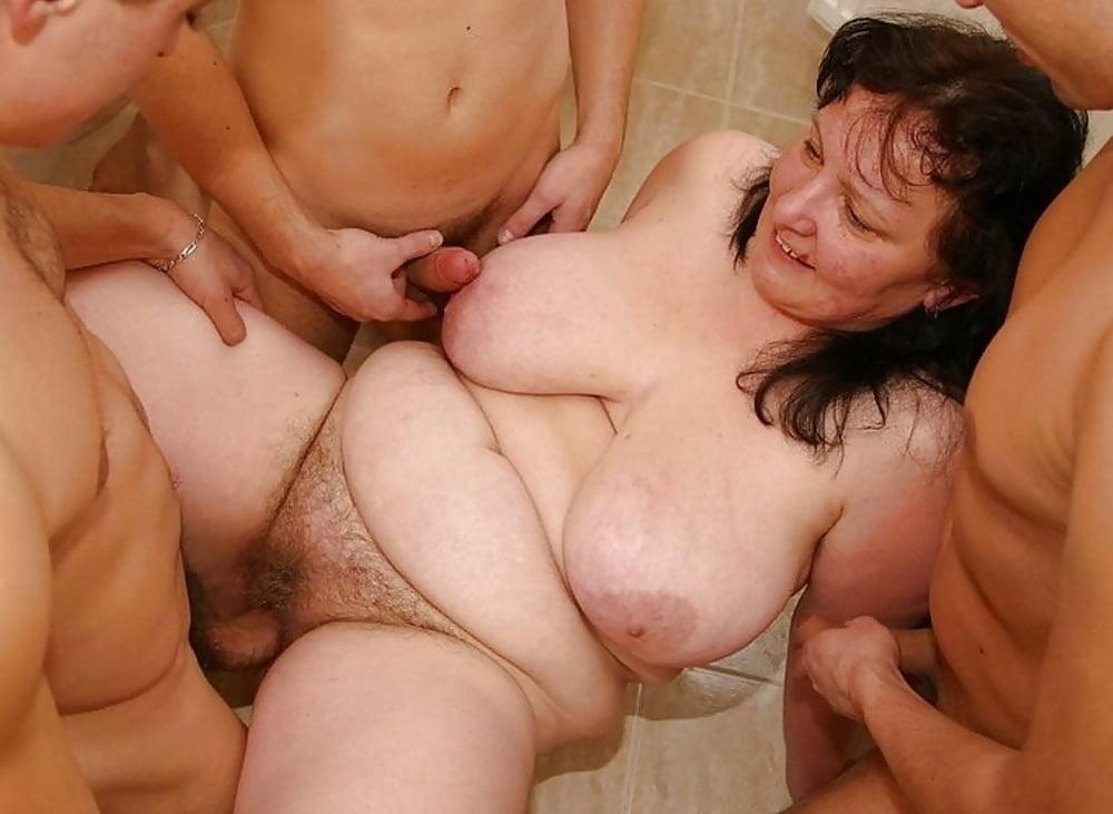 Фото жирные зрелые женщины трахаются пухленькие пизденки