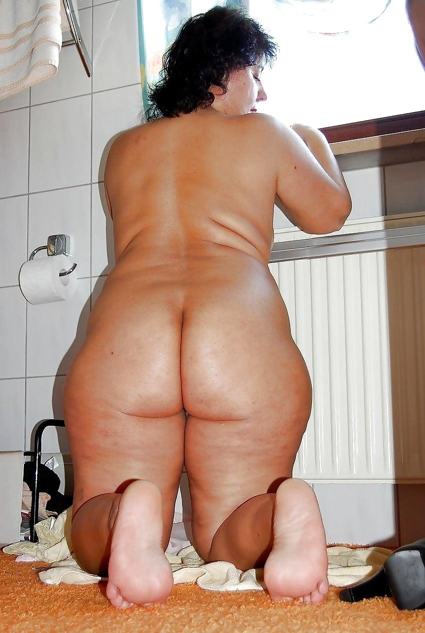 Порно онлайн волосатые с целлюлитом, фонтан спермы из огромных хуев