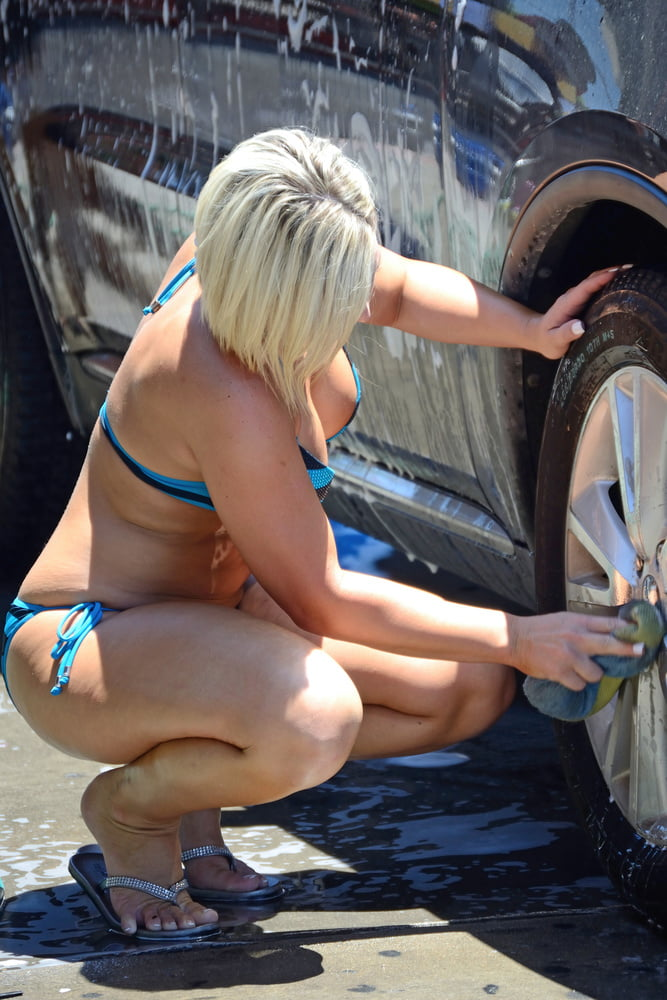 car girls Busty wash