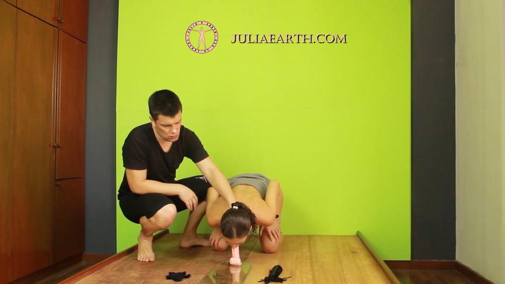 Light BDSM for Julia V Earth - 13 Pics