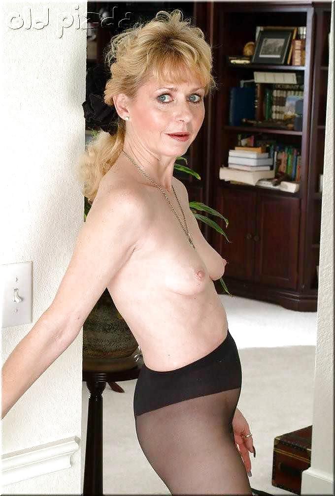 Granny pantyhose sex pics