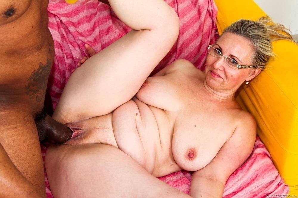 Big Cock Mature Hairy Pussy
