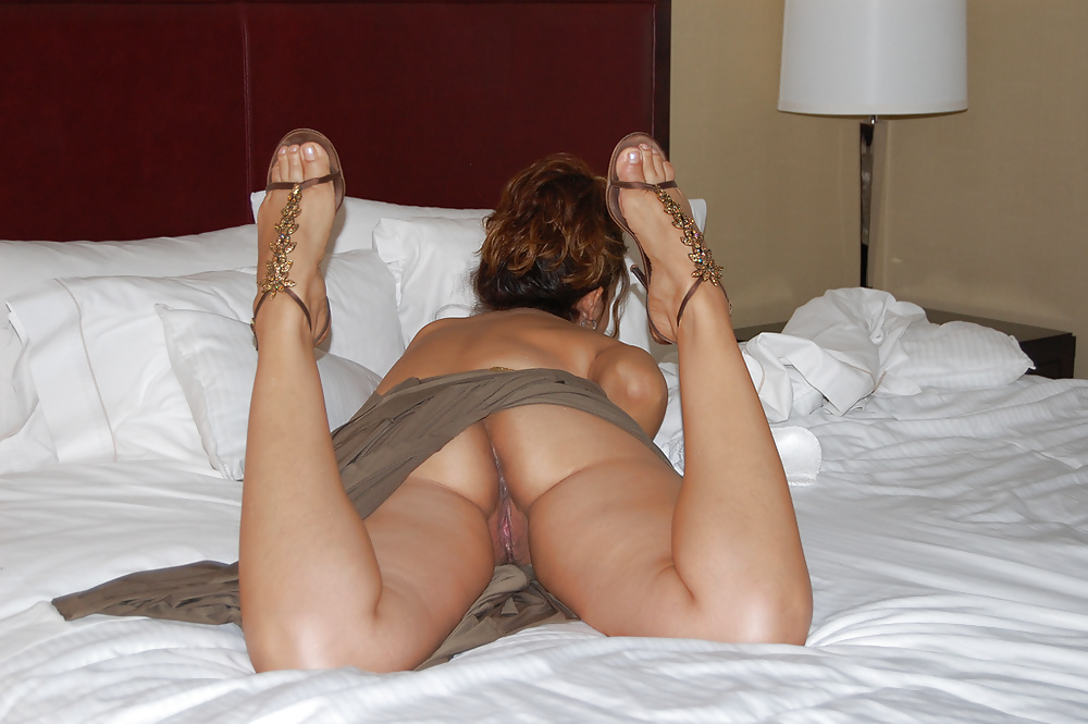 wife-sexy-legs-tube
