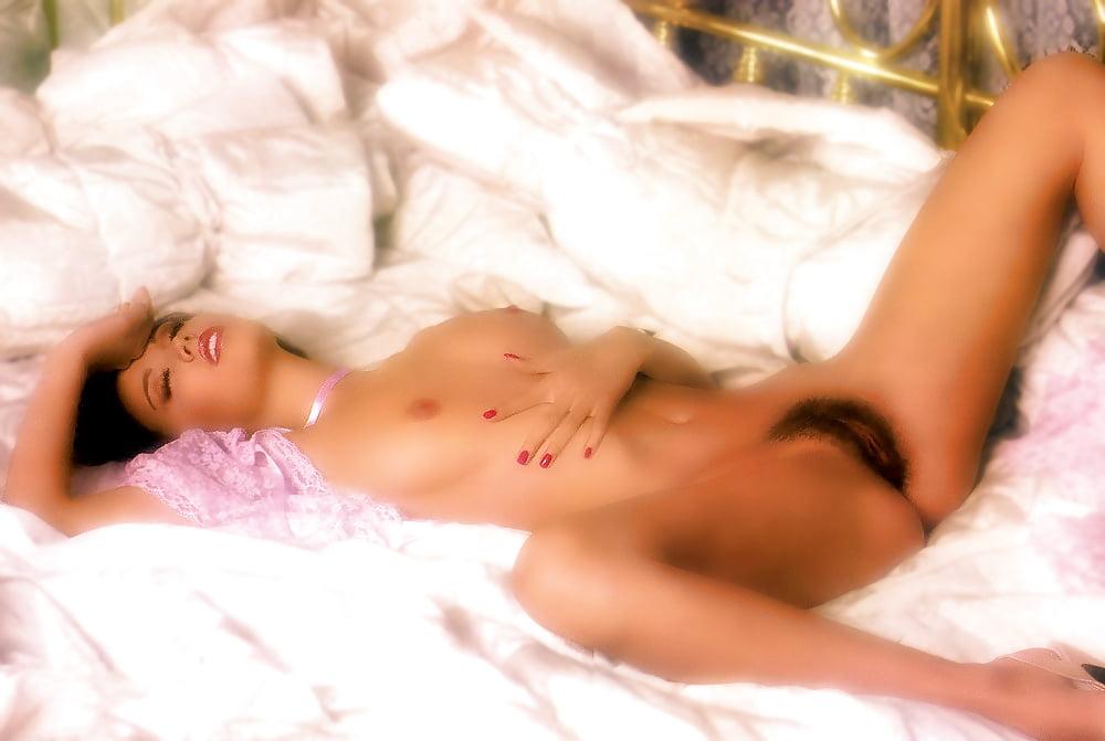Monique gabriela curnen in soa naked — photo 12