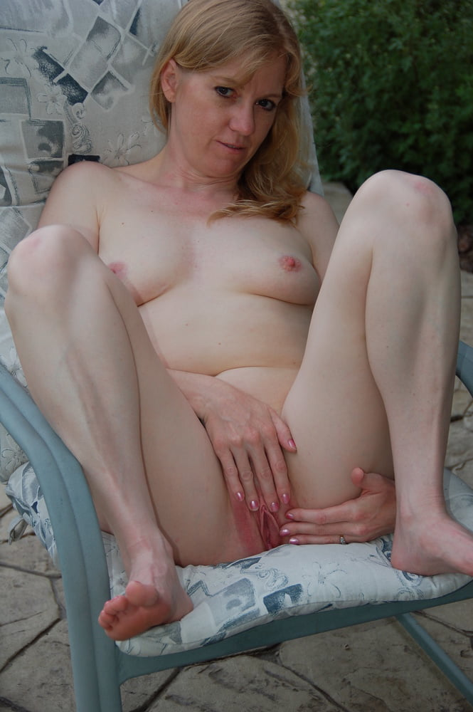 Outdoor wife - 37 Pics