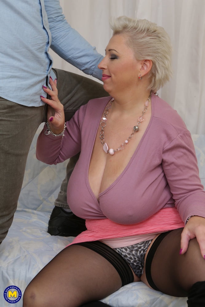 Mature with giant natural tits fucks lucky boy - 111 Pics