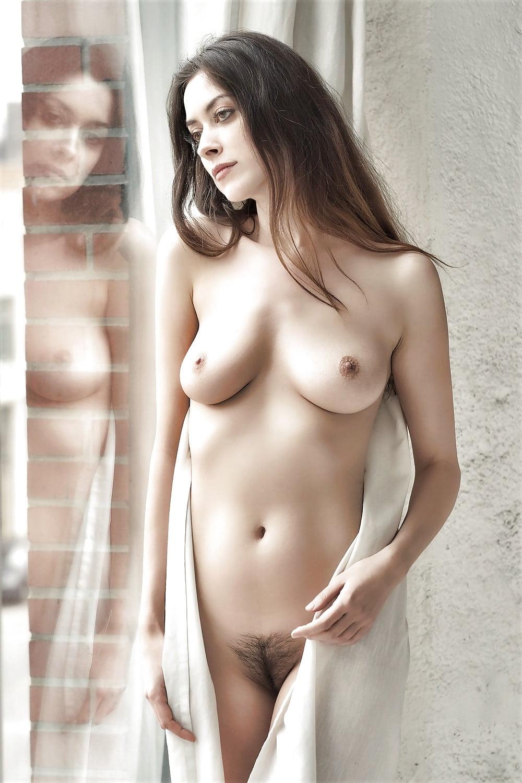 Naked natural girls pics