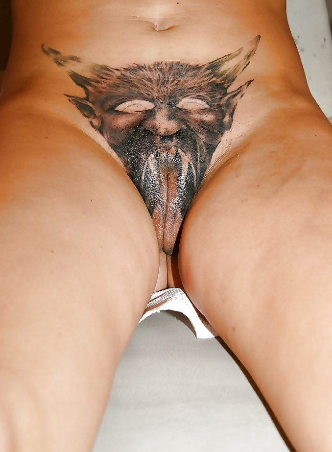 Astro tattooed pussy — pic 10