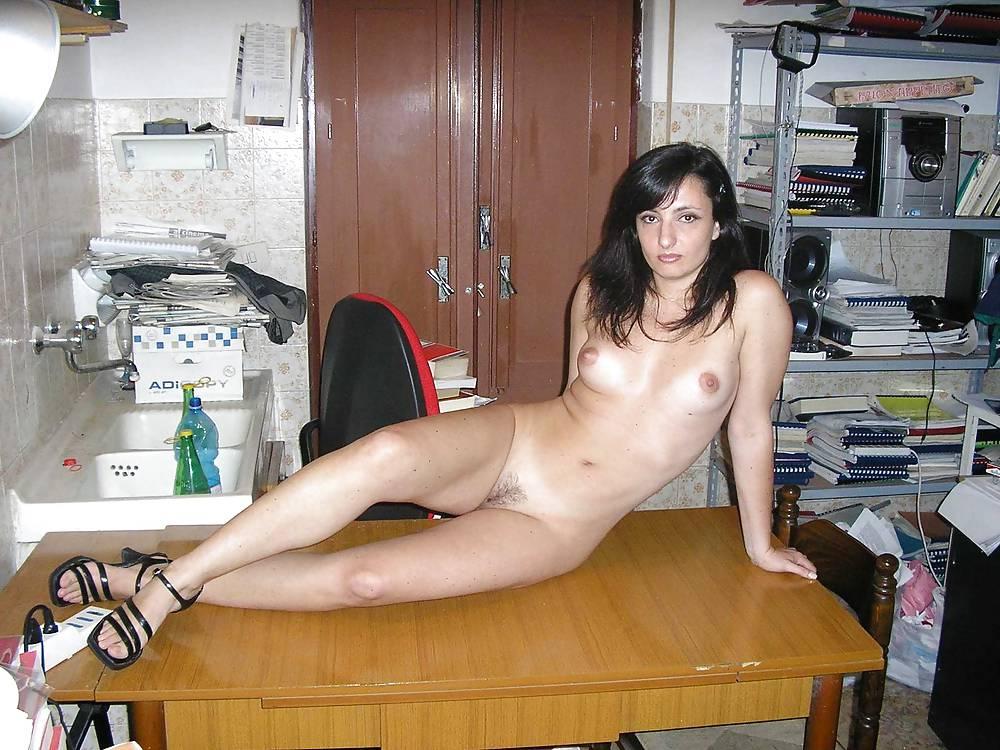 Attractive Nude Sicilian Women Pics