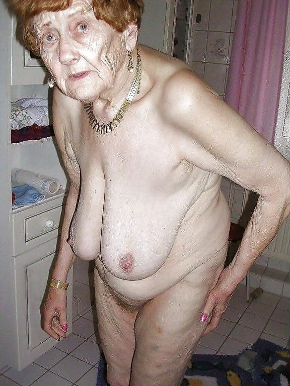 очень старые голые женщины фото