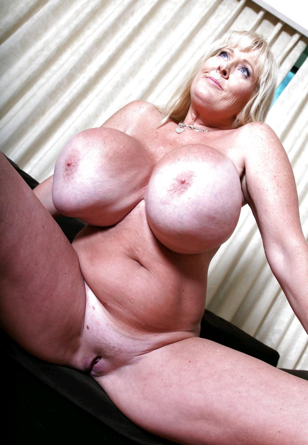 Mega tits mature video — pic 12