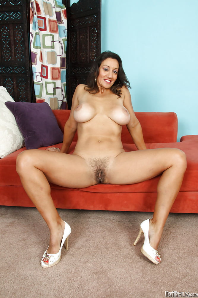 Fully naked persia — photo 8