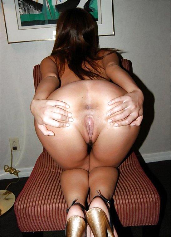 Порно фотографии раздвинутые женские попки, очень огромные сиськи загорелые
