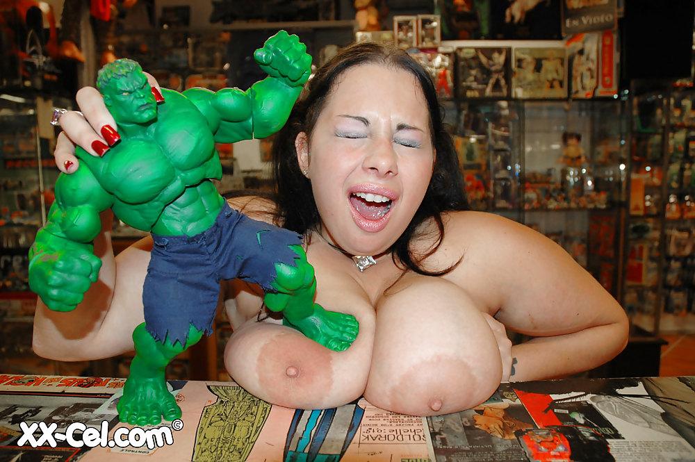 hulk-hands-girl-tits