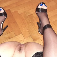 Wife Exposing Feet ,ass And Pussy