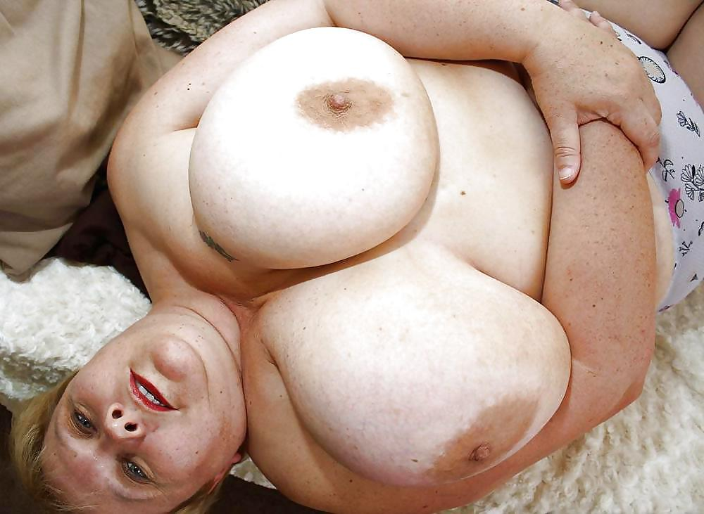 Bbw with big fat tits eating cock sandwich