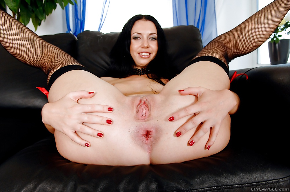 xxx-spreading-ass-porn-assed-white