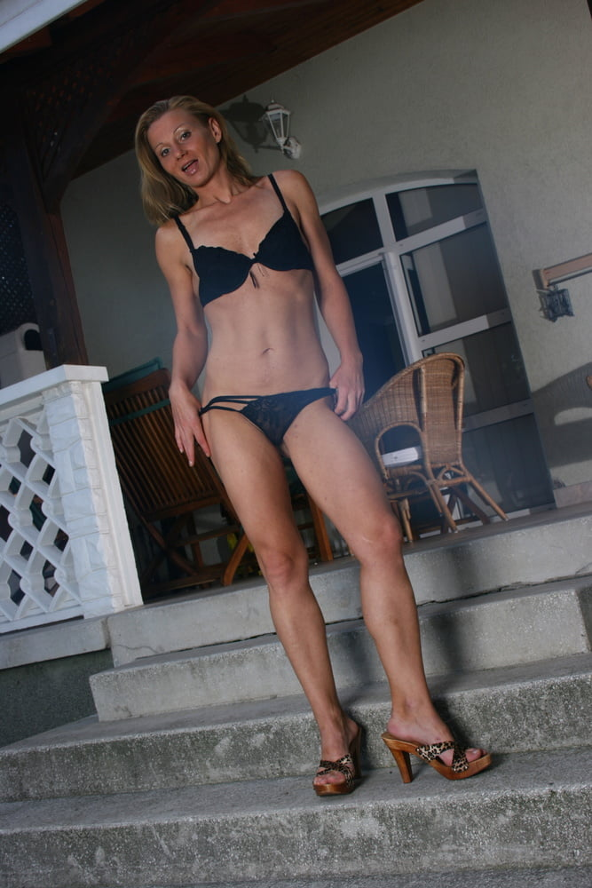Fit Slim Ginger MILF Public Sex on Holiday Trip with Strange - 20 Pics